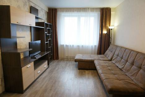 Сдается 1-комнатная квартира посуточнов Кирове, Тургеньева 12.