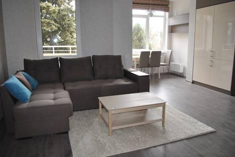 Сдается 2-комнатная квартира посуточно, Володарского, 11А.