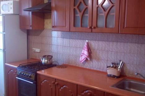 Сдается 2-комнатная квартира посуточно в Хмельницком, Водопроводная 45.