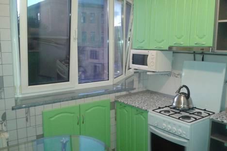 Сдается 3-комнатная квартира посуточно, улРокосовского 32.