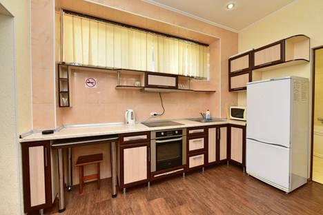 Сдается 1-комнатная квартира посуточнов Ялте, Парковый проезд 6А.
