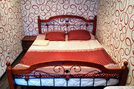 Сдается 2-комнатная квартира посуточно в Новотроицке, ул. Фрунзе, 22.