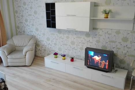 Сдается 1-комнатная квартира посуточнов Чебоксарах, ул. Б.С.Маркова, 8к1.