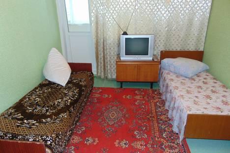 Сдается 2-комнатная квартира посуточно в Яровом, квартал в 9 15.