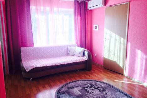 Сдается 3-комнатная квартира посуточно в Астрахани, Татищева корпус 20.