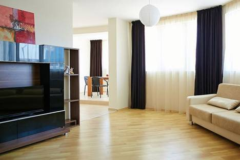 Сдается 3-комнатная квартира посуточно в Несебыре, Иван Вазов, 7.