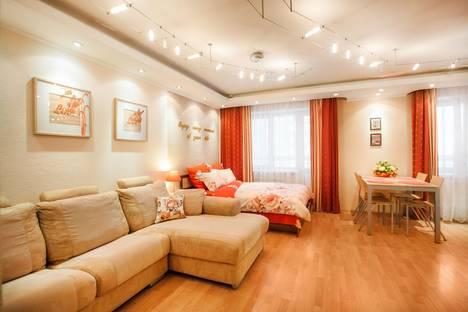 Сдается 1-комнатная квартира посуточнов Екатеринбурге, Комсомольская, 76.
