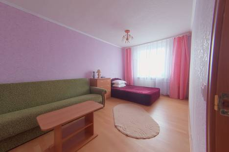 Сдается 2-комнатная квартира посуточно в Мурманске, улица Папанина, 16.