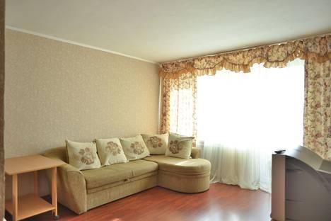 Сдается 1-комнатная квартира посуточно в Екатеринбурге, ул. Луначарского 21.