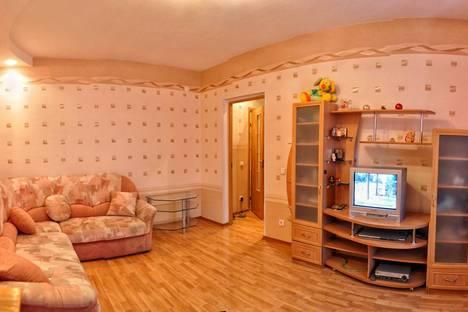 Сдается 1-комнатная квартира посуточнов Кирове, Красина 5 к3.