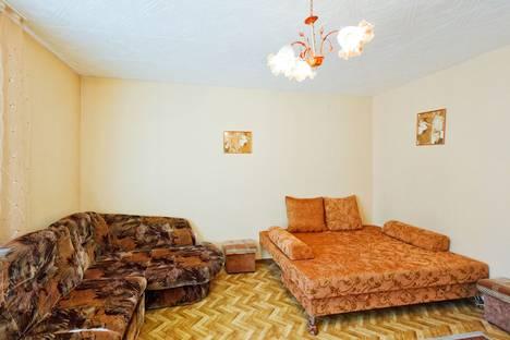 Сдается 1-комнатная квартира посуточнов Тюмени, Амурская дом 2.