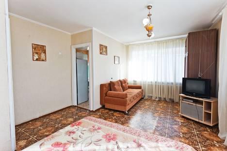 Сдается 1-комнатная квартира посуточнов Тюмени, севастопольская 31.