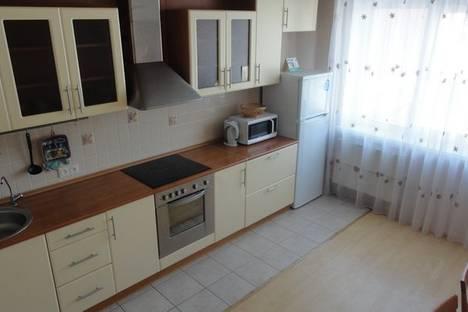 Сдается 2-комнатная квартира посуточнов Тюмени, Широтная 108 корп 3.