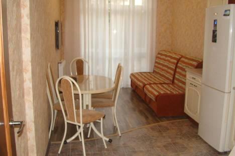 Сдается 2-комнатная квартира посуточно в Геленджике, ул. Колхозная,д.9.