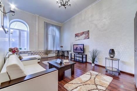 Сдается 2-комнатная квартира посуточнов Санкт-Петербурге, Невский проспект, 91.