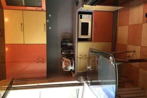 Сдается 2-комнатная квартира посуточно в Ярославле, ул. Чкалова, 56в.