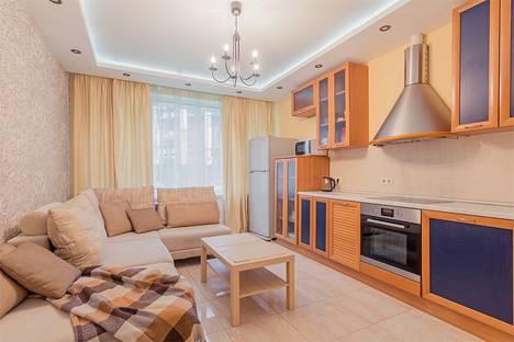 Сдается 1-комнатная квартира посуточнов Санкт-Петербурге, ул. Кременчугская, 11.
