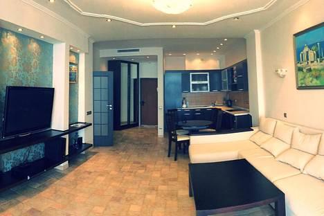 Сдается 2-комнатная квартира посуточно в Гурзуфе, Строителей 3А.