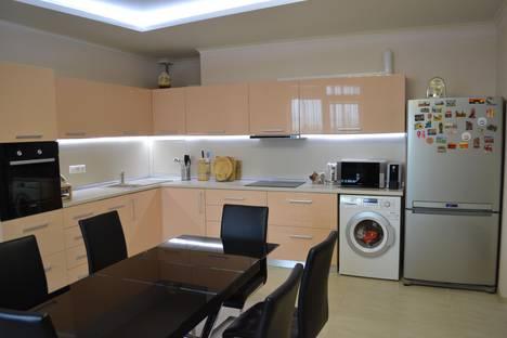 Сдается 3-комнатная квартира посуточно в Адлере, ул. Просвещения 84.