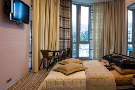Сдается 3-комнатная квартира посуточнов Гаспре, Дражинского 4а.