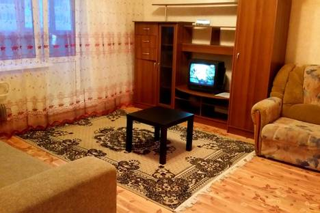 Сдается 3-комнатная квартира посуточно в Барнауле, улица Сергея Семенова 17.