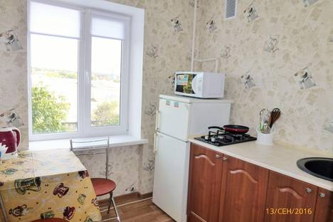 Сдается 1-комнатная квартира посуточно в Симферополе, Русская ул., 38.