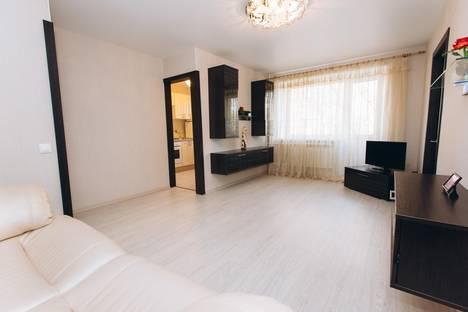 Сдается 2-комнатная квартира посуточнов Екатеринбурге, Мельковская, 11.