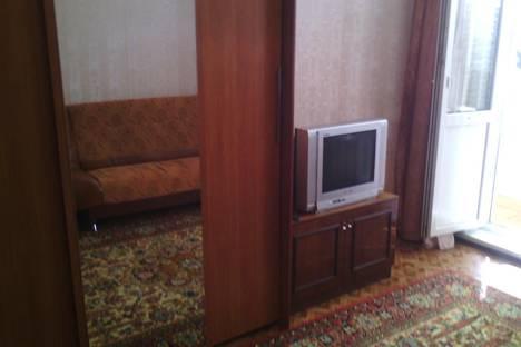 Сдается 1-комнатная квартира посуточно в Яровом, квартал А, 31.