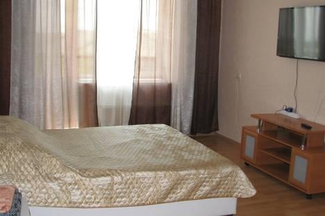 Сдается 1-комнатная квартира посуточно в Черногорске, Космонавтов,1в.