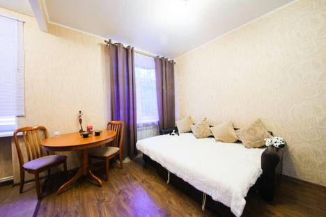 Сдается 2-комнатная квартира посуточнов Саратове, Соборная, 17.