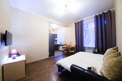 Сдается 2-комнатная квартира посуточно в Саратове, Соборная, 17.