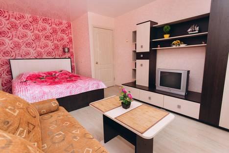 Сдается 1-комнатная квартира посуточно в Екатеринбурге, проезд Решетникова, 3.