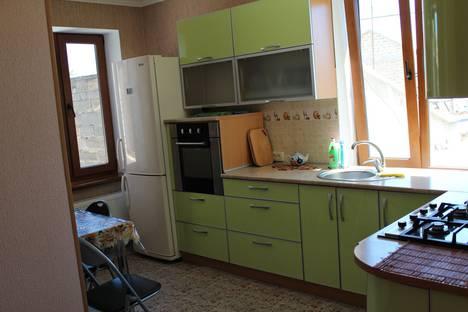Сдается 2-комнатная квартира посуточно в Евпатории, Пушкина 32.