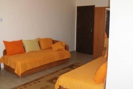 Сдается 2-комнатная квартира посуточно в Помории, 3 марта, 1а.
