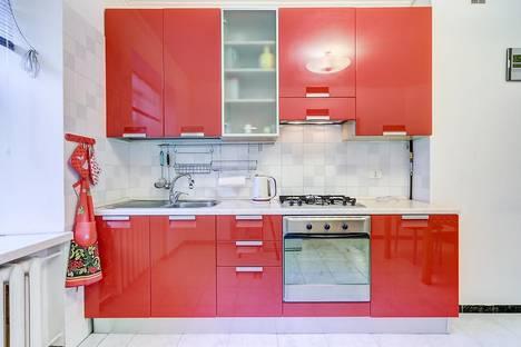 Сдается 2-комнатная квартира посуточнов Петергофе, Невский пр 54.