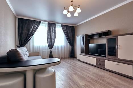 Сдается 2-комнатная квартира посуточно, ул. им Филатова, 19.