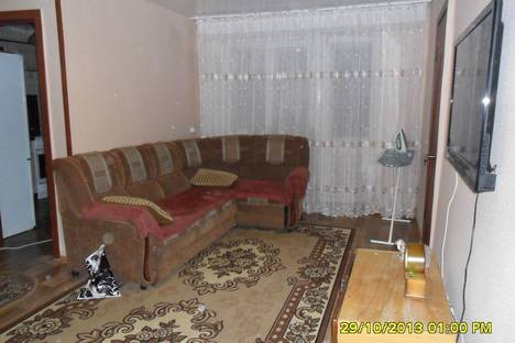 Сдается 1-комнатная квартира посуточно в Яровом, ул. 40 лет октября д.3.