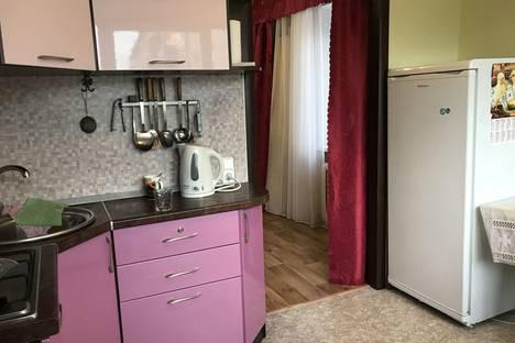 Сдается 2-комнатная квартира посуточно, квартал Б, дом 14.