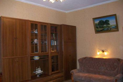 Сдается 1-комнатная квартира посуточно в Феодосии, проспект Айвазовского, 1-а.