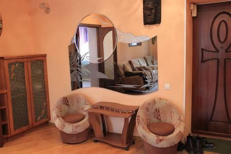Сдается 2-комнатная квартира посуточнов Омске, проспект Карла Маркса, 19.