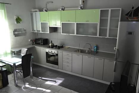 Сдается 3-комнатная квартира посуточнов Мирном, ул. Горького 7.