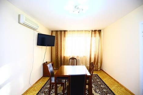 Сдается 2-комнатная квартира посуточно в Алматы, Достык 30.
