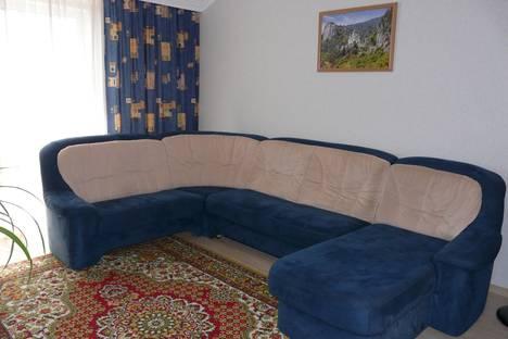 Сдается 2-комнатная квартира посуточнов Ливадии, Сеченова, 18.