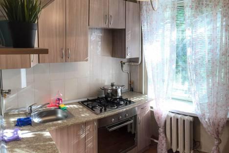 Сдается 2-комнатная квартира посуточнов Санкт-Петербурге, ул. Дрезденская, 22.