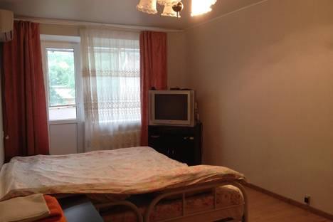 Сдается 3-комнатная квартира посуточно в Новочеркасске, ул. Буденновская, 193\2.