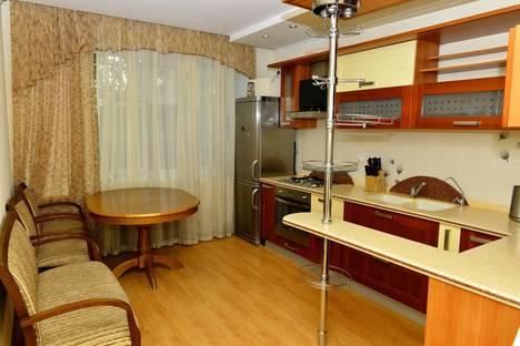 Сдается 4-комнатная квартира посуточно в Алматы, Айтеке би 32- абдулиных.