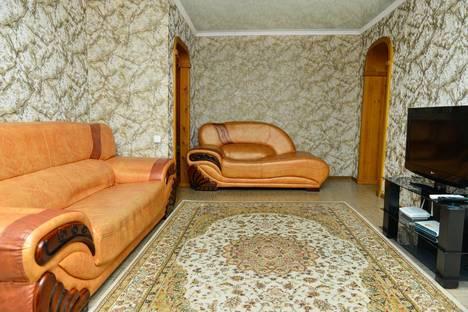Сдается 3-комнатная квартира посуточно в Алматы, Сатпаева байзакова 4.