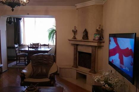 Сдается 3-комнатная квартира посуточно в Батуми, Мемеда Абашидзе,63.