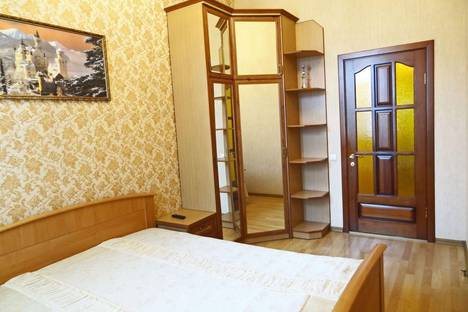Сдается 1-комнатная квартира посуточно в Феодосии, ул. победы 12.