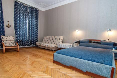 Сдается 2-комнатная квартира посуточнов Пушкине, ул. 5-я Советская, 24.